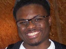 Headshot of Darius Rucker, a Teach For America alumnus.