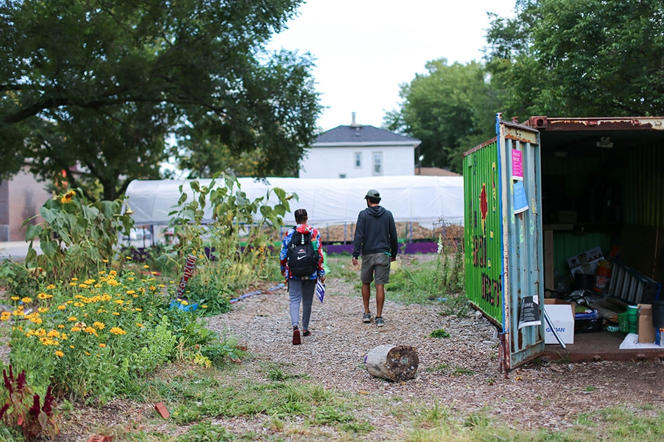 """Gardeneers works to address """"food deserts"""" in the Chicago area"""