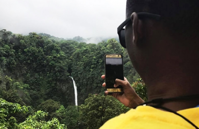 The trip exposes St. Louis students to Costa Rica.