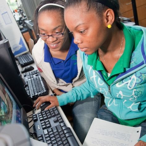 More Girls And Students Of Color In Computer Science, Thanks To TFA-WA Educators